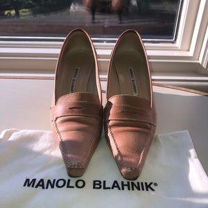 Manolo Blahnik- pink tone shoes